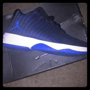A pair of Jordan's that are new and to Little